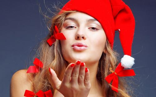 Воздушный поцелуй девушки в новый год 1 920px × 1 200px